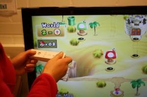 Nintendo on aina Kaarinan kirjastossa kävijöiden käytössä, mikäli vain lukutila on vapaana.