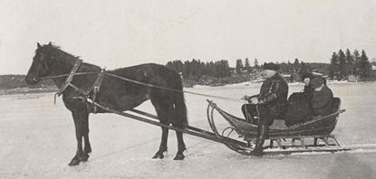 Rekiretki jäällä Paimiossa vuonna 1936. Kuva on Paimion perinneyhdistyksen kokoelmasta.