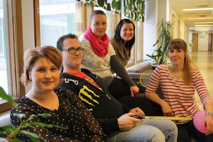 Olkkarissa työskentelevät muun muassa perhetyöntekijä Tiina Saarinen-Salmi, psykiatrinen sairaanhoitaja ja erityistason perheterapeutti Marko Håkansson, psykologi ja hankevastaava Heidi Joutsiniemi, psykiatrinen sairaanhoitaja Riikka Okko-Holck sekä toimintaterapeutti Essi Himberg.