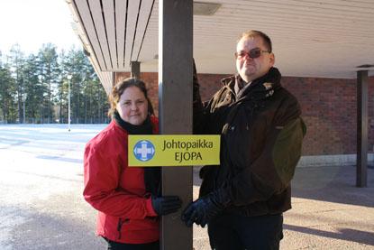 Kati Lehtimäki SPR:stä oli mukana tiistaina etsinnöissä. Tommi Virtanen SPR:stä koordinoi vapaaehtoista etsintätyötä Varsinais-Suomessa.