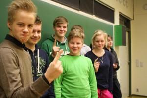 Sähkötupakasta pääsivät vastaamaan Vistan koulun 9C:ltä muun muassa Matias Saarinen, Sarita Oja, Minja Tuomi, Riku Ihalin, Santeri Koski, Eetu Partanen, Joonas Koivunen ja Valtteri Suominen.