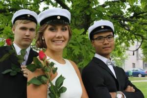Mikael Janhonen, Essi Helminen ja Anton Saari kirjoittivat tänä keväänä Toivonlinnan lukiosta.