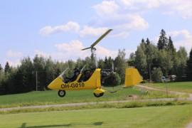 Paimiossa käyneet gyrokopterit olivat kaksipaikkaisia. Takapenkki tosin oli täynnä matkatavaroita.