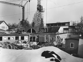 Uutta seurakuntataloa rakennetaan Paimioon huhtikuussa 1984.