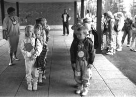 Kriivarin koulun ensimmäisiä ekaluokkalaisia, vuodelta 1988.
