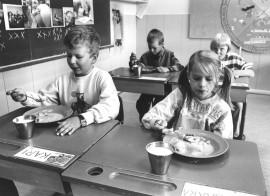 Ruokatunti Niemenkulman koululla vuonna 1987.