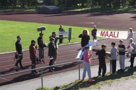 Paimion urheilupuistossa kuvattiin maanantaina 1.9. Yle.n Unelmien koulukuva -ohjelmaa, pääosassa Jokelan koulun 6 b -luokka. Ohjelman kuvaajana ja ohjaajana kentällä pyöri Tuukka Temonen.