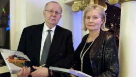 Soini Santalan ja Saila Myllykylän työ urheilun parissa palkittiin. Kuvan otti Päivi Inkinen.