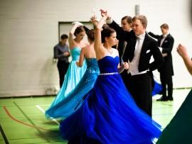 Emil Söderbergin tanssiparina Vilma Virtanen.