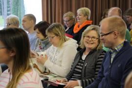 Paimio-akatemian ensimmäiselle luennolle tulivat muun muassa Paimion terveyskeskuksen puheterapeutti Mia Sarpola-Kortesmaa, Paimion lastenneuvolan terveydenhoitaja Hanna Valtanen, Sauvon kouluterveydenhoitaja Maiju Lehdonvirta sekä lääkäri Jarno Aarnio Sauvon terveysasemalta.