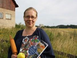 Kaisa Sillanpään oma suosikki hänen uusimmasta keittokirjastaan on punajuuriboston: suolainen leivonnainen, johon voi käyttää punajuurisalaatin loput.