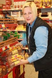- Osa työntekijöistä osallistuu työnseisaukseen perjantaina kello 11-13, mutta kauppa pidetään avoinna koko ajan, kertoo marketpäällikkö Liisa Vainikainen Paimion S-Marketista.