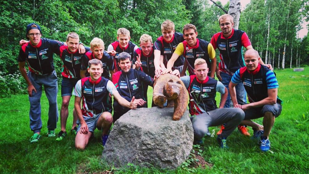 Paimion Rastin joukkue valmiina yön kisaan Lappee-Jukolassa. Kuva PR:n Twitter-tililtä.