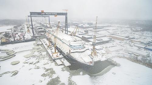 Mein Schiff 1 Turun telakalla.