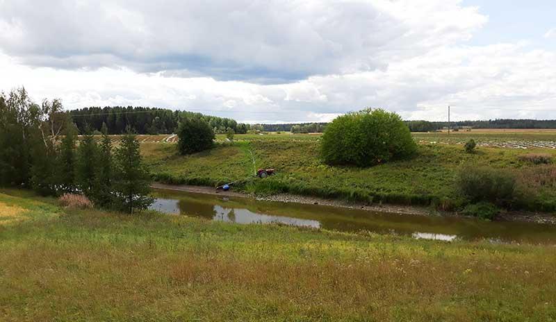 Paimionjoella vesiraja on painunut kauaksi normaalista. Kuva: Ilkka Myllyoja.